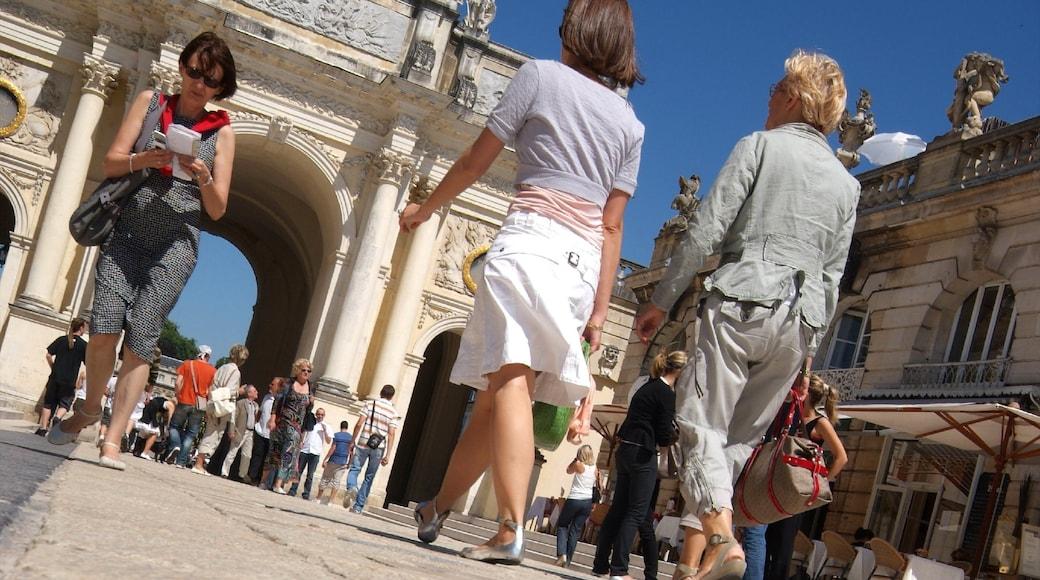Meurthe-et-Moselle montrant patrimoine architectural et scènes de rue