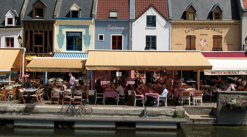 Amiens qui includes sortie au restaurant, scènes de rue et scènes de café
