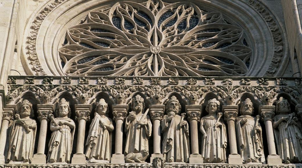 Amiens montrant aspects religieux