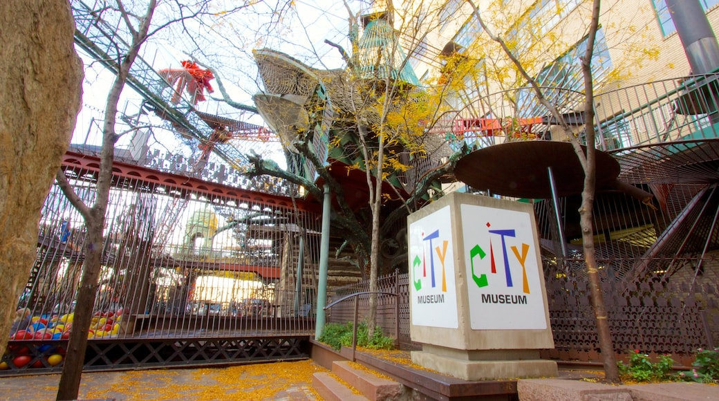 City Museum featuring a city, signage and fall colors