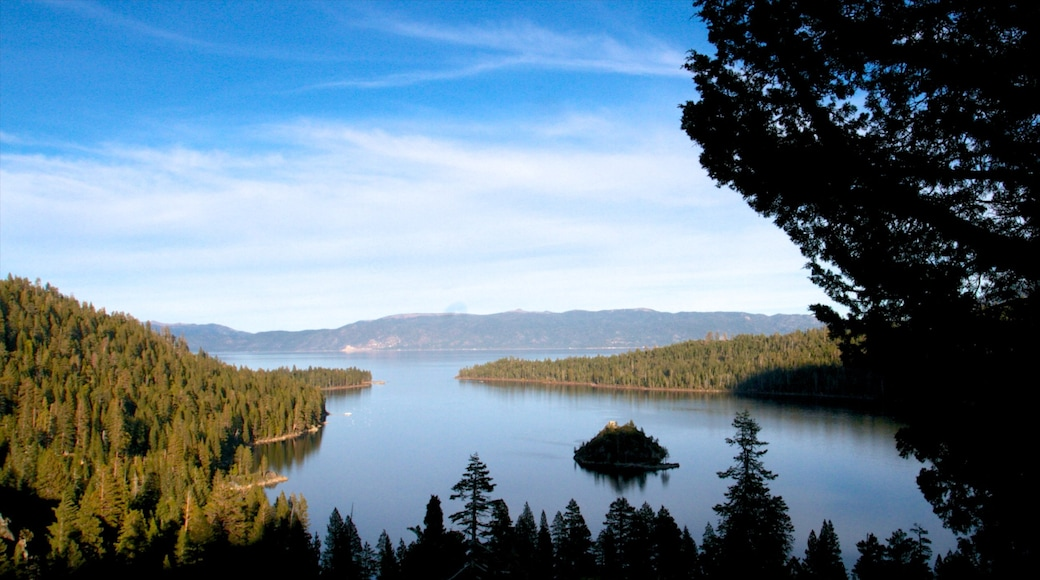 Emerald Bay State Park showing landscape views, general coastal views and forest scenes