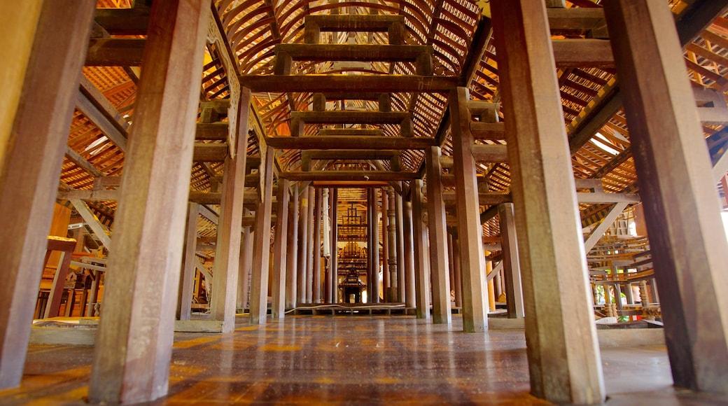 ปราสาทสัจธรรม แสดง มรดกทางสถาปัตยกรรม, การตกแต่งภายใน และ วัดหรือสถานที่เคารพบูชา