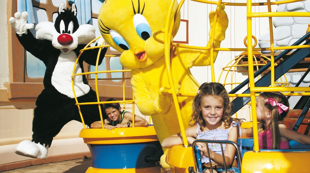Movie World showing rides as well as children