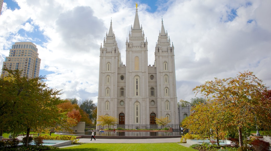 Salt Lake Temple which includes a temple or place of worship, religious elements and a city