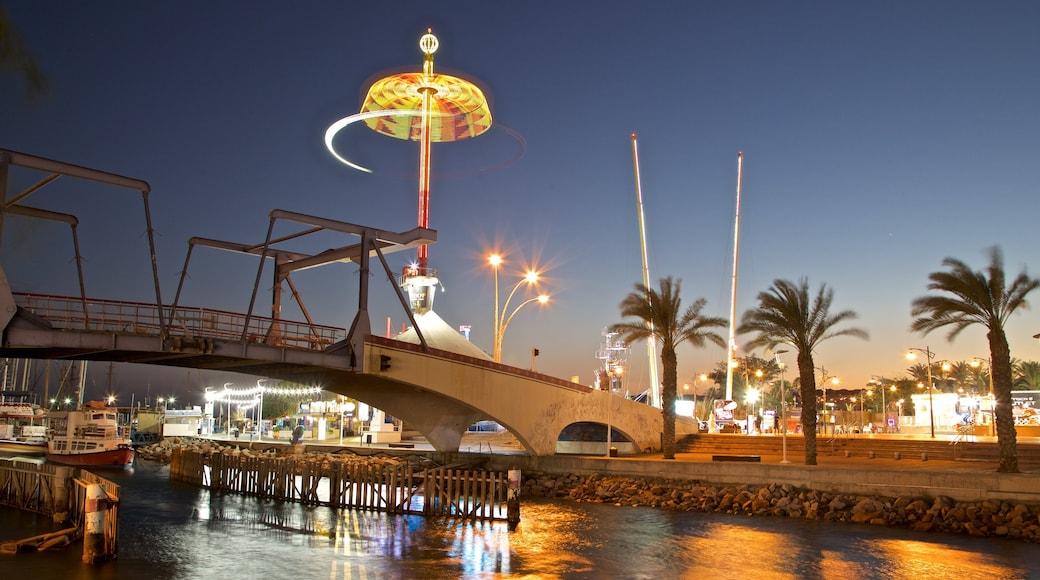 Eilat das einen Fahrten, bei Nacht und Fluss oder Bach