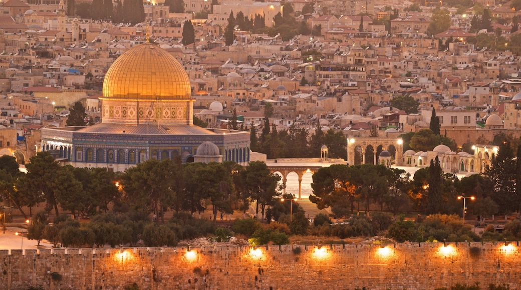 Temple Mount featuring a city, landscape views and heritage architecture
