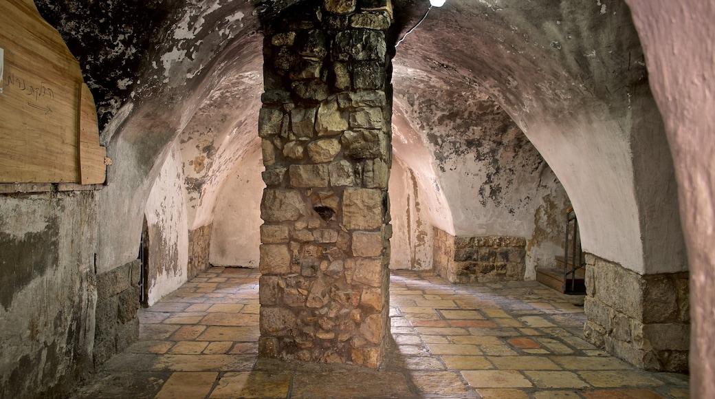 Kuningas Daavidin hauta johon kuuluu sisäkuvat ja perintökohteet