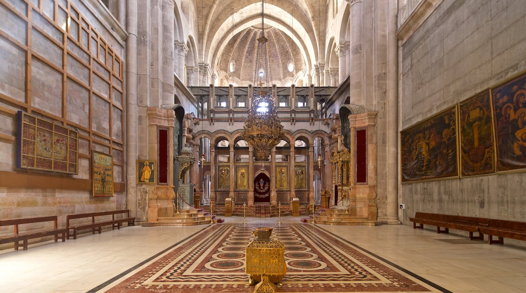 Church of the Holy Sepulchre which includes a church or cathedral, interior views and heritage elements
