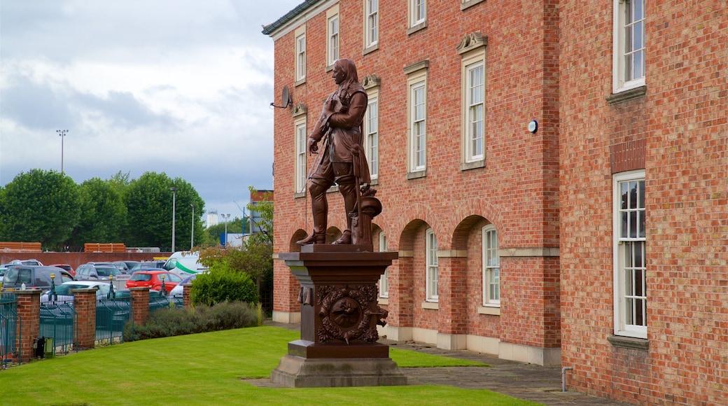 Warrington featuring a statue or sculpture