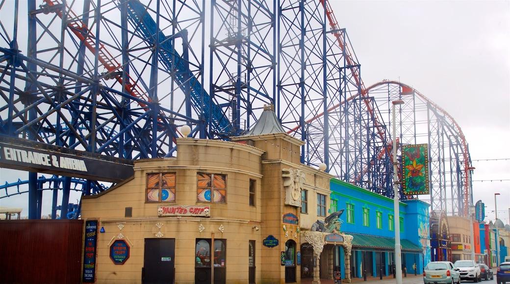 Blackpool Pleasure Beach das einen Fahrten