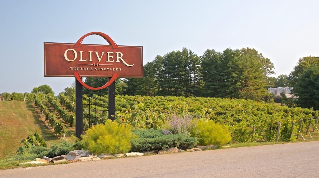 奧利弗釀酒廠 其中包括 農地 和 指示牌