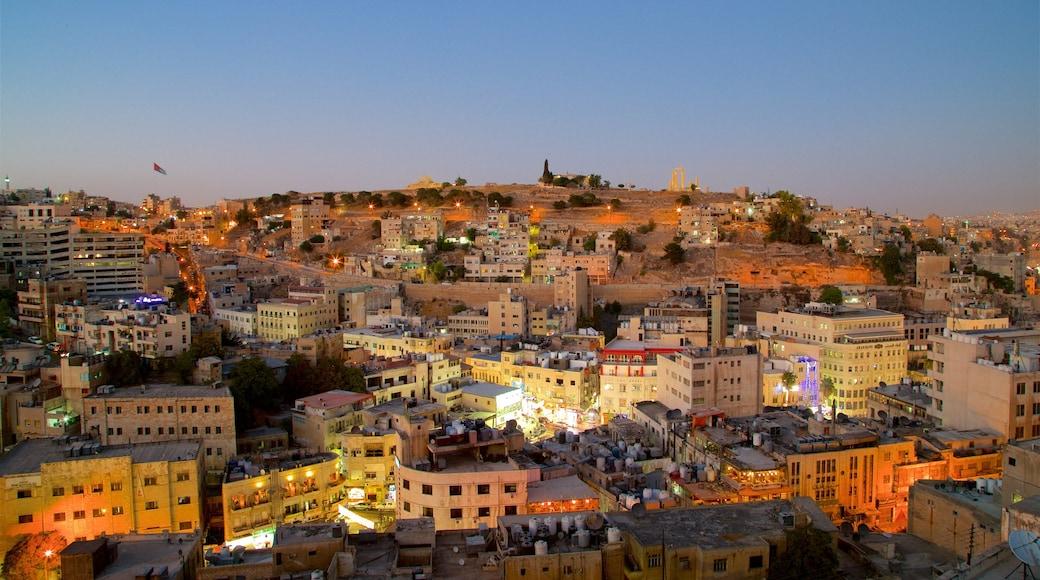 Amman presenterar nattliv, landskap och en stad