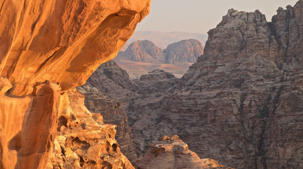 Petra showing landscape views and a gorge or canyon