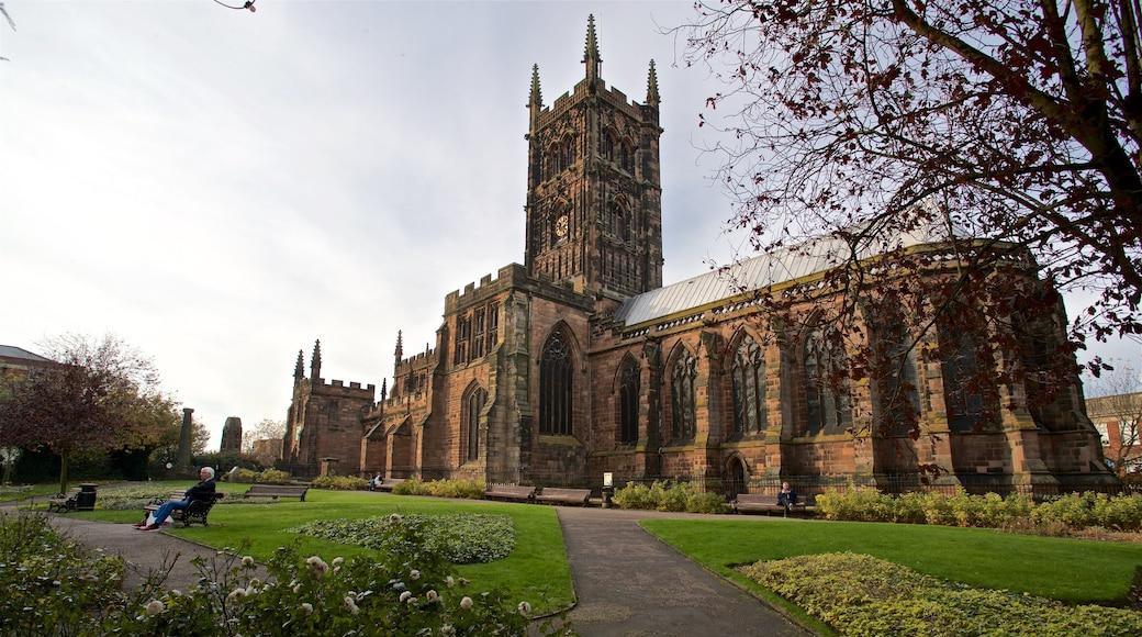 Wolverhampton caratteristiche di fiori di campo, parco e chiesa o cattedrale