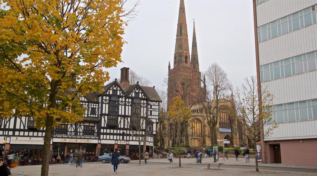 Coventry mostrando chiesa o cattedrale e architettura d\'epoca