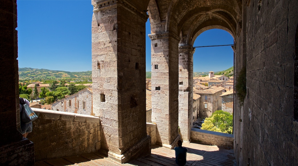 Gubbio which includes heritage elements