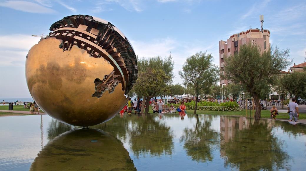 Pesaro mettant en vedette art en plein air