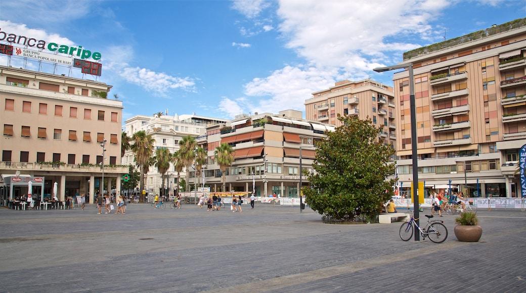 Piazza della Rinascita mit einem Platz oder Plaza und Stadt