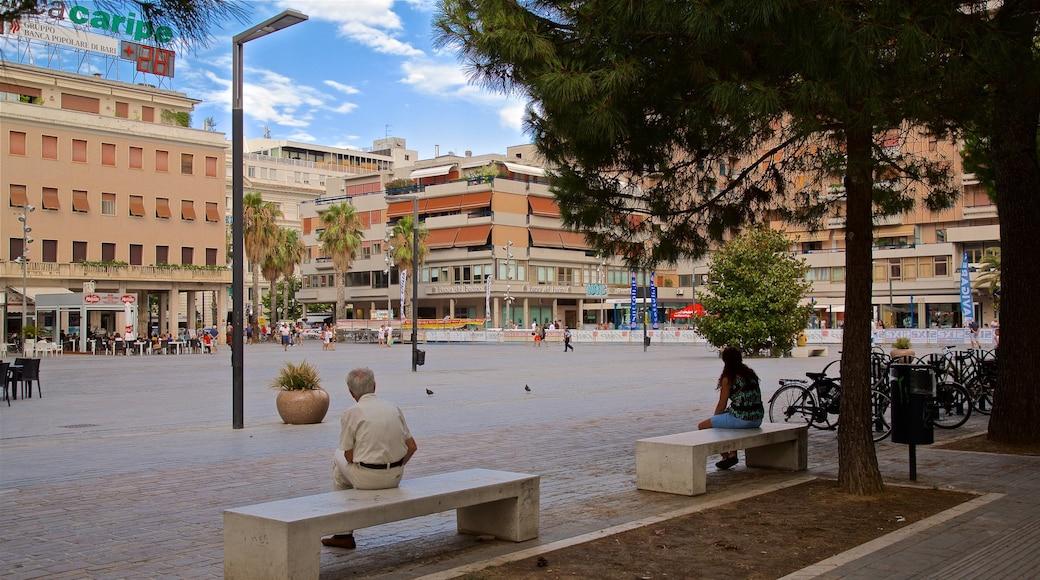 Piazza della Rinascita mit einem Platz oder Plaza