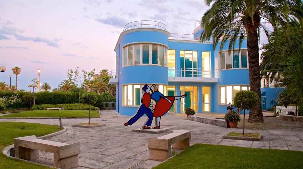 Palazzina Azzurra das einen Outdoor-Kunst und Sonnenuntergang