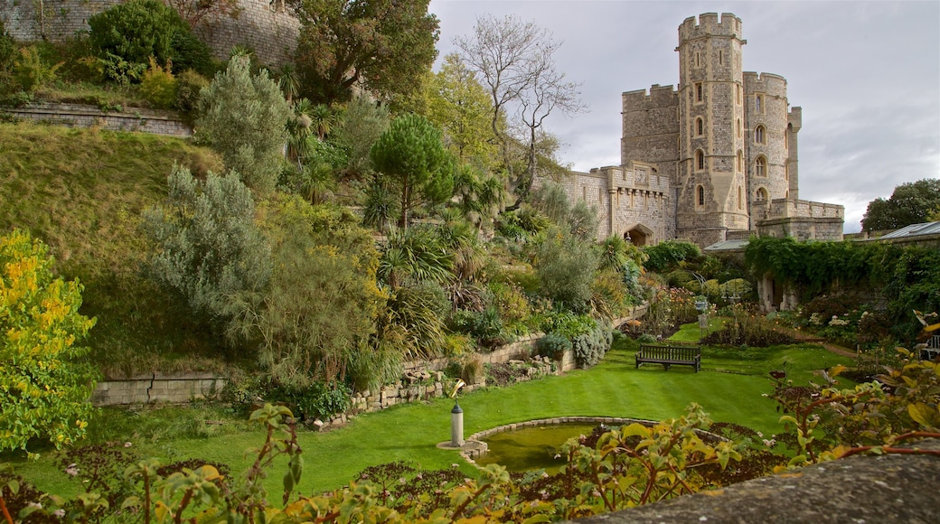 Windsor Castle featuring heritage architecture and a park