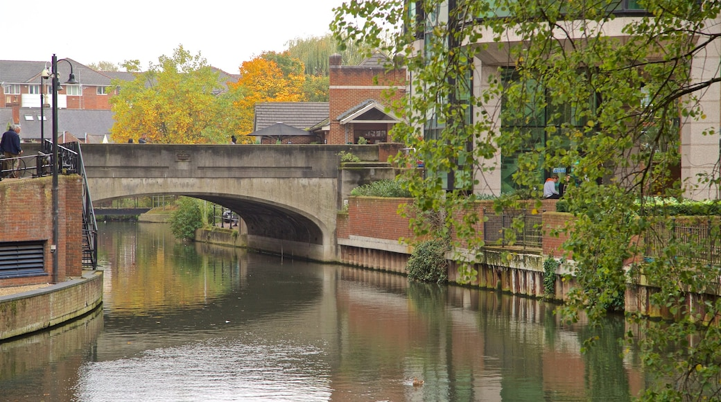 Kennet & Avon Canal which includes a bridge and a river or creek