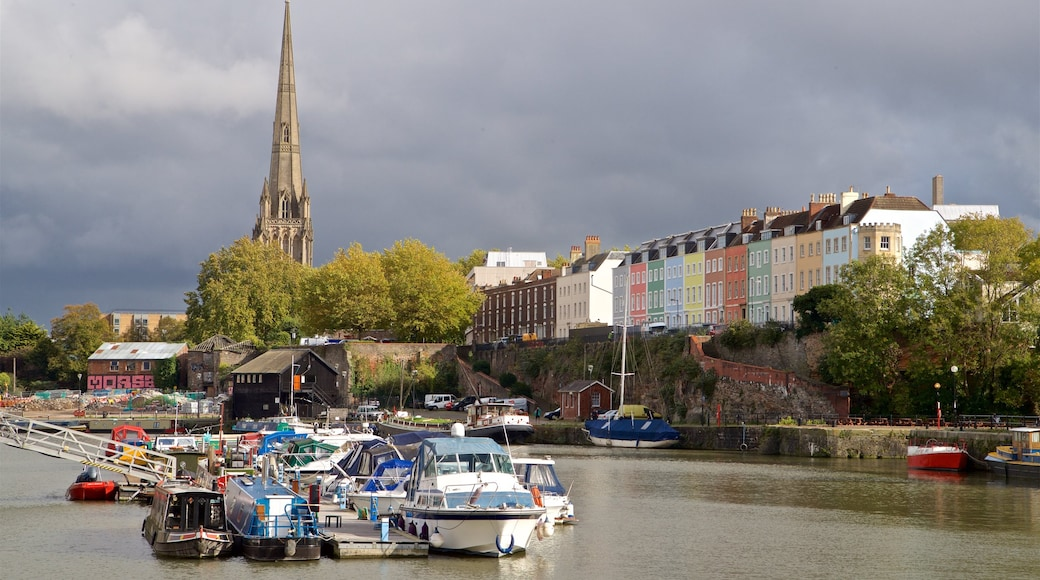 St. Mary Redcliffe Church showing a bay or harbour