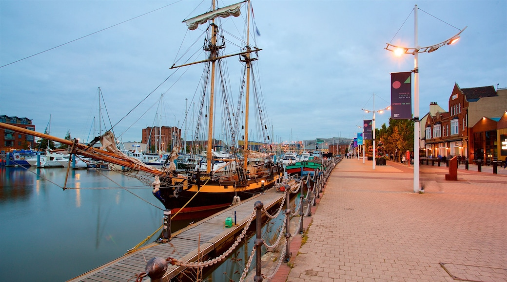 Hull Marina which includes heritage elements, a bay or harbour and night scenes