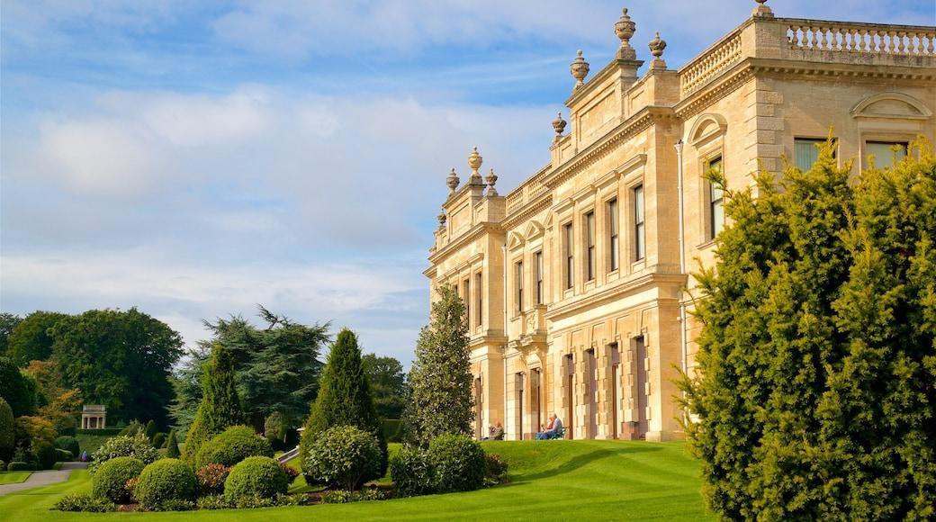 Brodsworth Hall das einen historische Architektur und Park