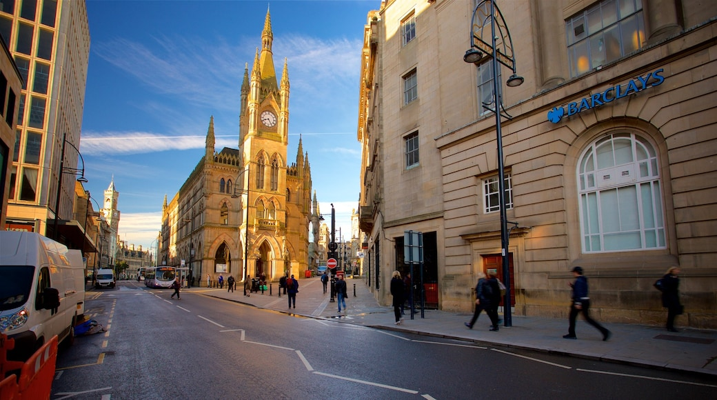 Wool Exchange which includes heritage architecture, a church or cathedral and street scenes