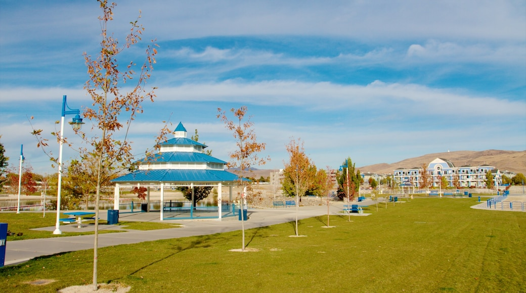 Sparks Marina Park which includes a garden