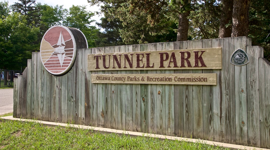 Tunnel Park showing signage