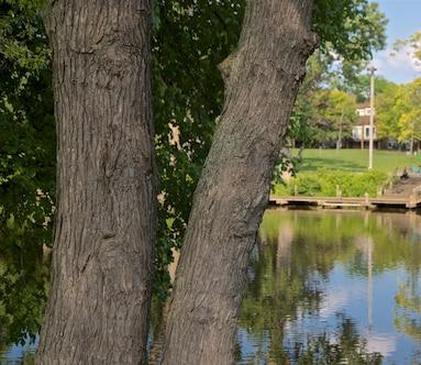 Adado Riverfront Park