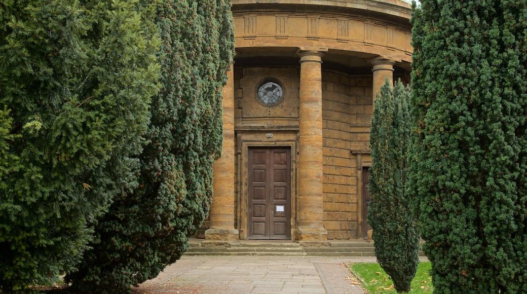 Banbury showing heritage elements