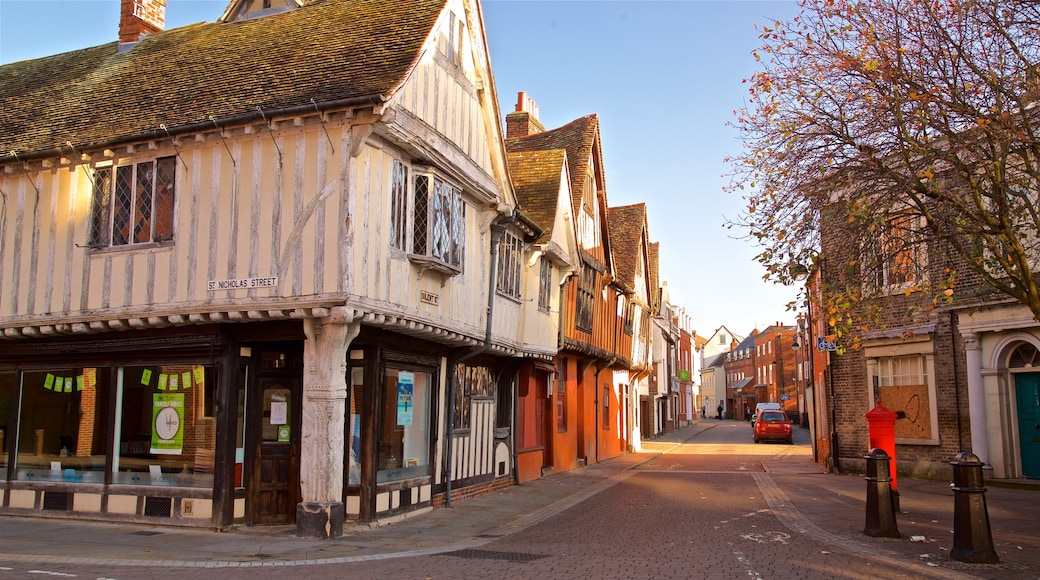 Ipswich showing a small town or village