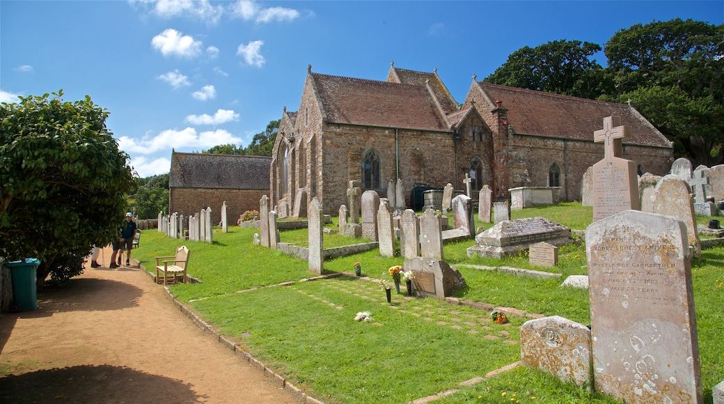 Parish Church of St. Brelade johon kuuluu perintökohteet, kirkko tai katedraali ja hautausmaa