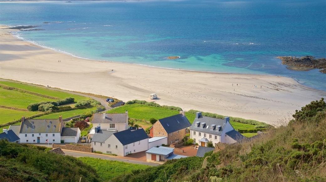 St Ouen featuring yleiset rantanäkymät, rannikkokaupunki ja maisemat