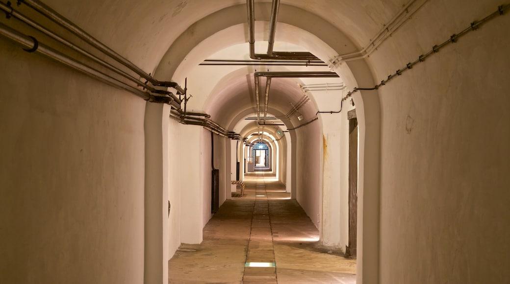 Jersey War Tunnels - German Underground Hospital das einen Innenansichten