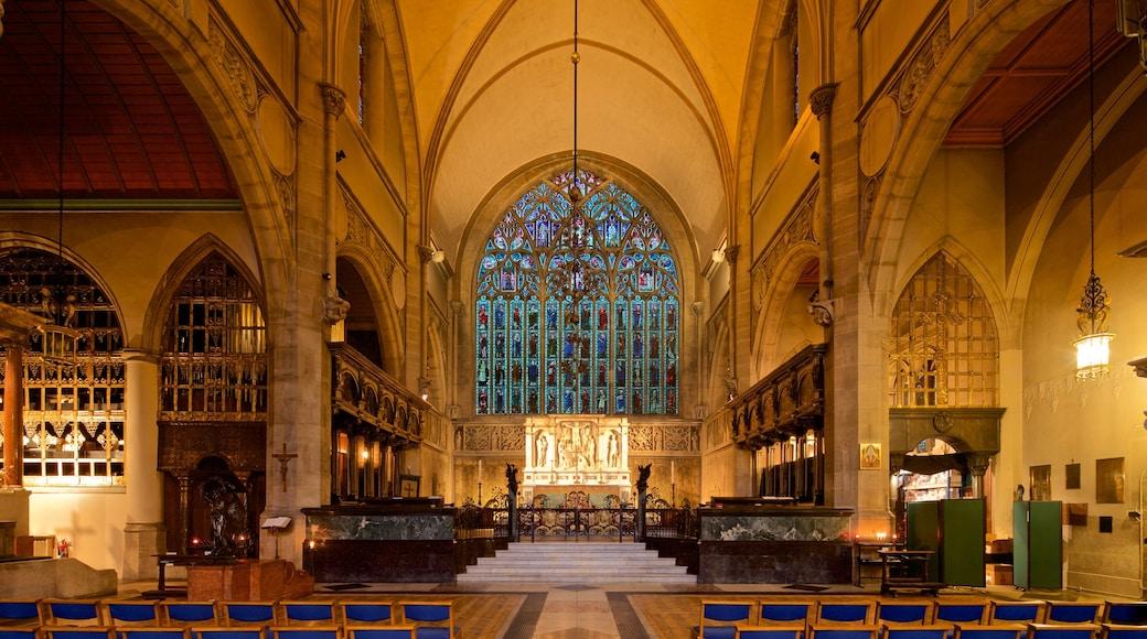 Chelsea fasiliteter samt innendørs, kulturarv og kirke eller katedral
