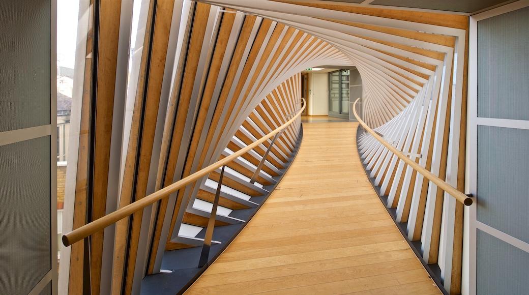 Royal Opera House som inkluderar interiörer och modern arkitektur