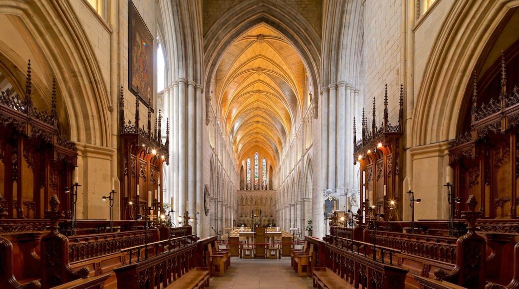 Southwark Cathedral which includes interior views, a church or cathedral and heritage elements