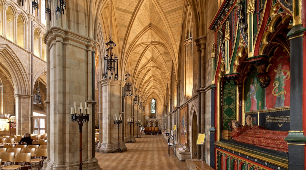 Southwark Cathedral showing interior views, a church or cathedral and heritage elements