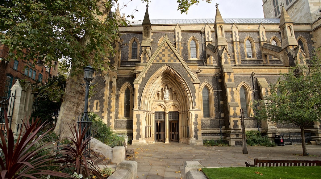 Southwark Cathedral showing a church or cathedral and heritage architecture