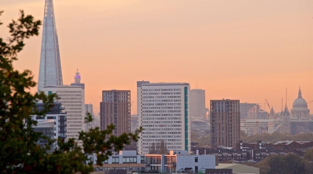 Greenwich Park das einen Sonnenuntergang, Stadt und Landschaften