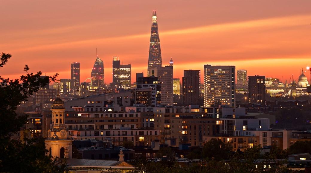 Greenwich Park welches beinhaltet bei Nacht, Sonnenuntergang und Stadt