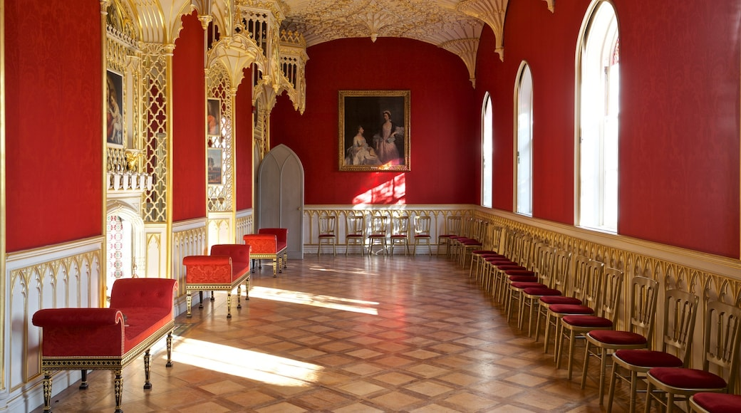 Strawberry Hill featuring art, heritage elements and interior views