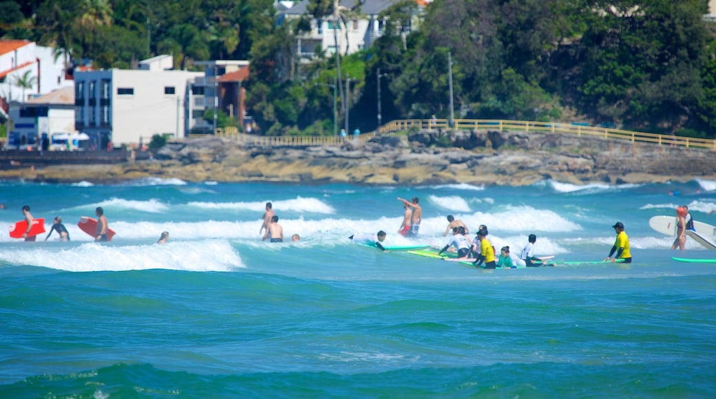 Manly Beach showing a coastal town, general coastal views and surfing