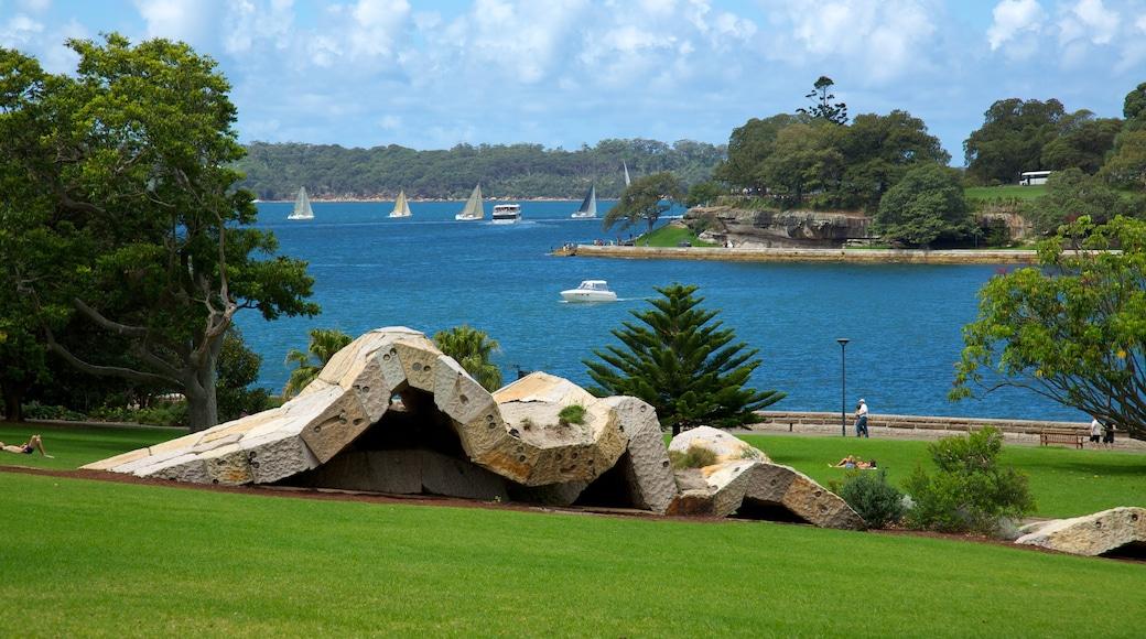 Royal Botanic Gardens featuring boating, a park and general coastal views