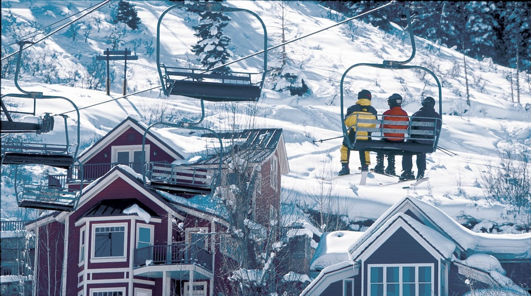 Park City showing a gondola and snow