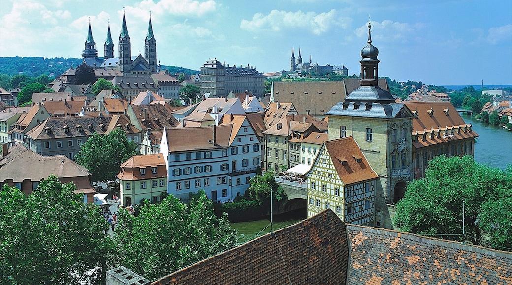 Bamberg che include architettura d\'epoca, città e skyline